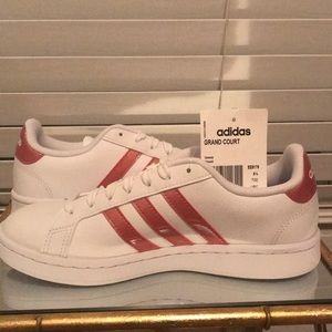 Adidas Grand Court Tennis Shoes size 7 in Women's